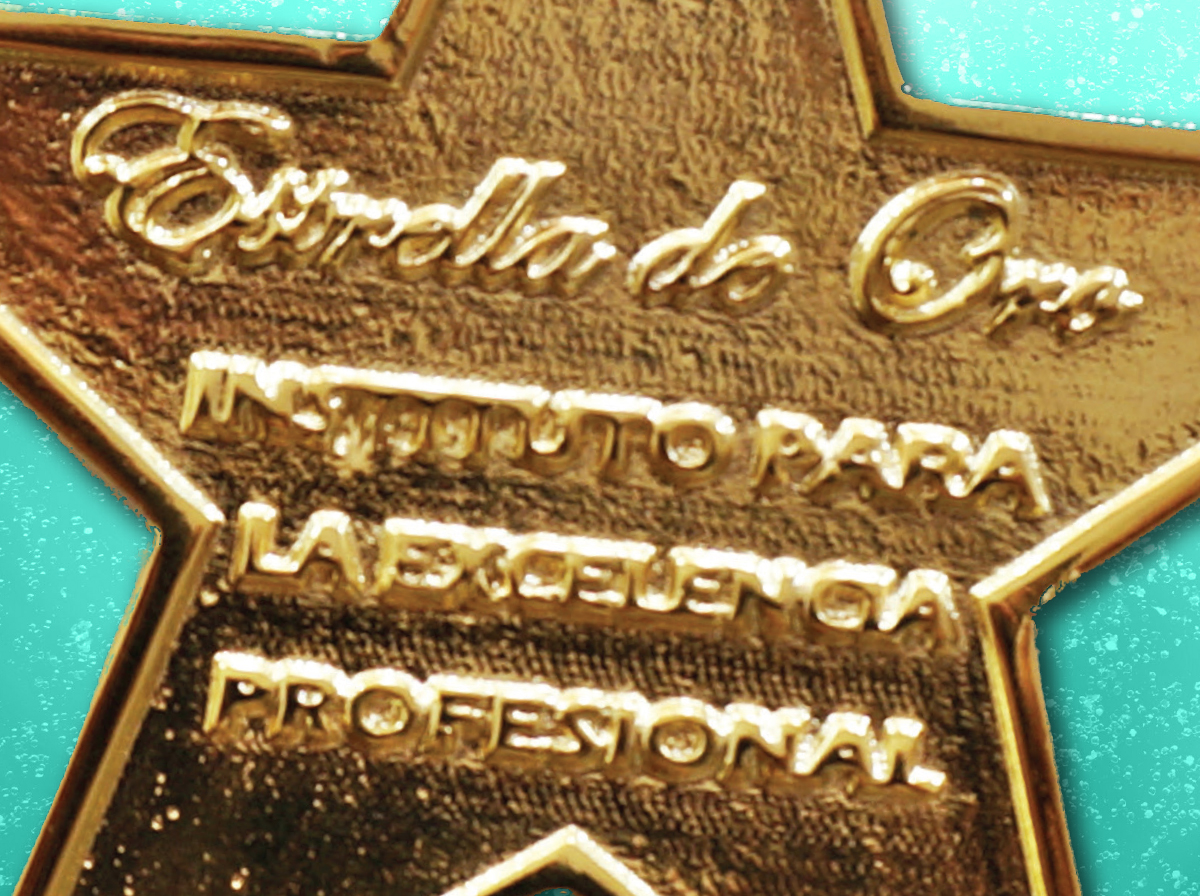 Parnaso recibe la Estrella de Oro a la Excelencia Profesional - Parnaso