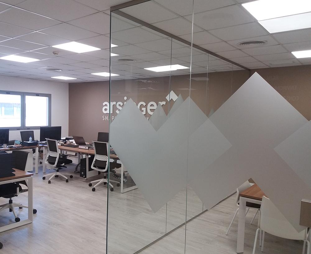 Creación y desarrollo del branding para Arsinger 5